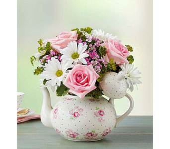 TEAPOT FULL OF BLOOMS in Yelm WA, Yelm Floral