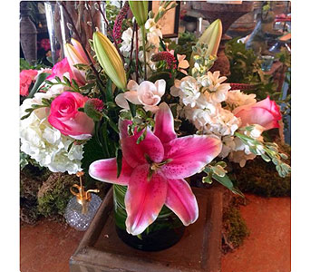 Perfect Mother's Day Tribute in Centerville OH, Far Hills Florist
