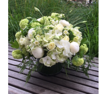 white Mix in Bellevue WA, CITY FLOWERS, INC.