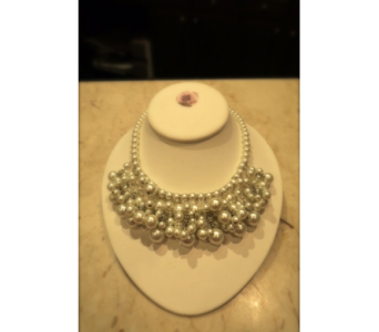 Bunched Faux Pearl Necklace in Princeton, Plainsboro, & Trenton NJ, Monday Morning Flower and Balloon Co.