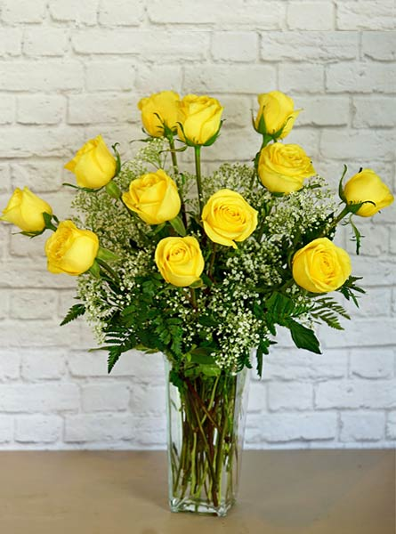 One Dozen Deluxe Yellow Roses in Arlington Heights IL, Sylvia's - Amlings Flowers