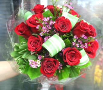 SIGNATURE WRAPPED ROSE BOUQUET in Arlington VA, Twin Towers Florist