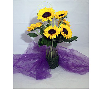 Summer Sunflowers in Manhasset NY, Town & Country Flowers
