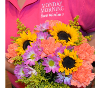 Value Bouquet of the Day in Princeton, Plainsboro, & Trenton NJ, Monday Morning Flower and Balloon Co.