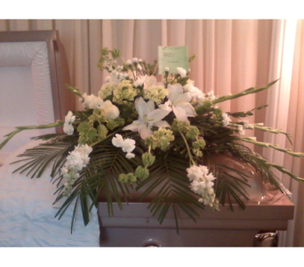 Serenity in White in Chattanooga TN, Chattanooga Florist 877-698-3303