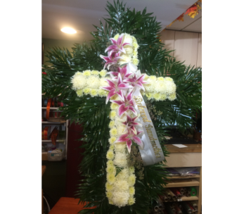 Cross in Manhasset NY, Town & Country Flowers