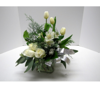 Silver Wishes in Traverse City MI, Teboe Florist
