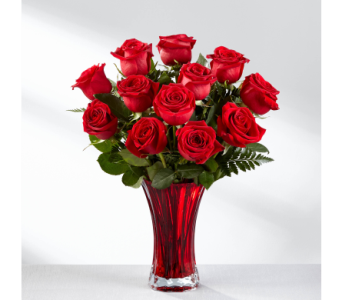 The FTD In Love with Red Roses in El Paso TX, Kern Place Florist