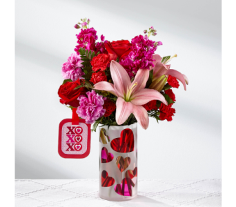 The FTD Love You XO Bouquet by Hallmark in El Paso TX, Kern Place Florist