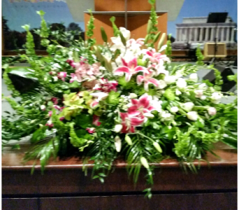 PODIUM ARRANGEMENT 93 in Arlington VA, Twin Towers Florist