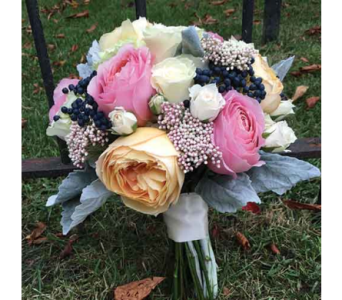 Pink & Peach Rose Bouquet in Chelsea MI, Chelsea Village Flowers