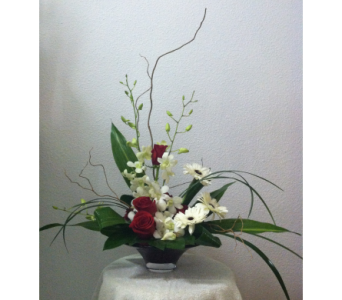 Elegant Beauty in Arcata CA, Country Living Florist & Fine Gifts