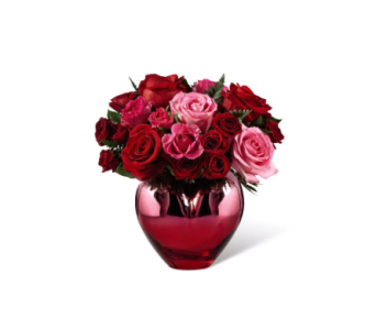 The FTD� Hold Me in Your Heart� Rose Bouquet in Kingsport TN, Holston Florist Shop Inc.