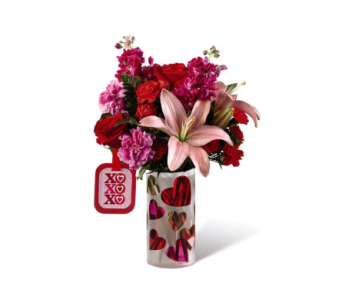 The FTD� Love You XO� Bouquet by Hallmark in Kingsport TN, Holston Florist Shop Inc.