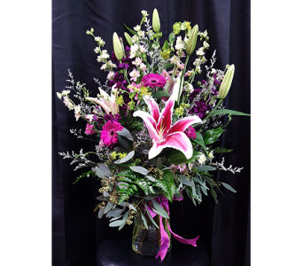 Feminine Flair in Westfield IN, Union Street Flowers & Gifts