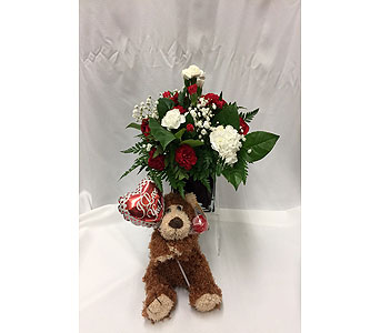 Be my valentine in Dearborn MI, Fisher's Flower Shop