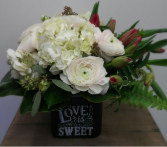 Love is Sweet in Etobicoke ON, Alana's Flowers & Gifts