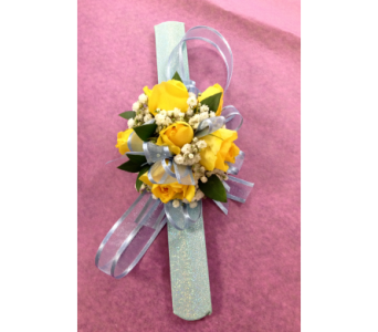 Snappy Sunshine Wristlet  in Fairless Hills PA, Flowers By Jennie-Lynne