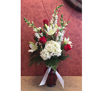 Valentine's Day Special 2 in Hellertown PA, Pondelek's Florist & Gifts