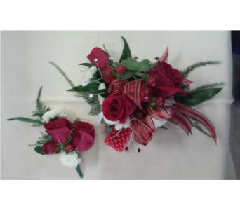 Red Rose White & Berry in Brecksville OH, Brecksville Florist