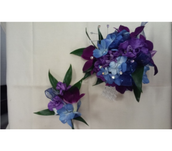 Blue and Purple in Brecksville OH, Brecksville Florist