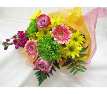 Bright Cut Flower Bouquet in Amherst NY, The Trillium's Courtyard Florist