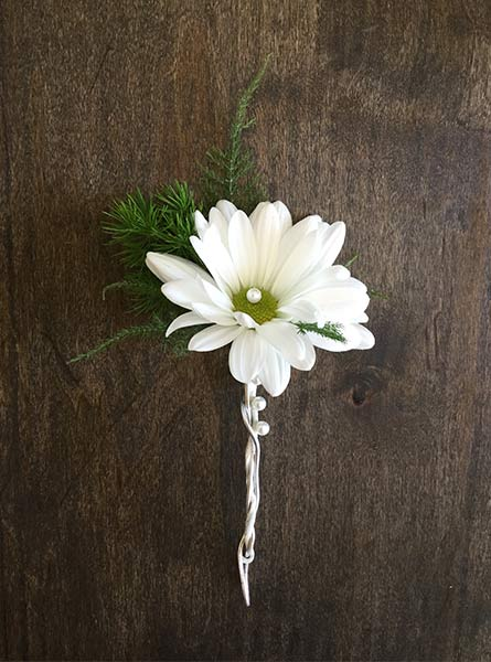 Daisy Boutonniere in Raleigh NC, Fallon's Flowers