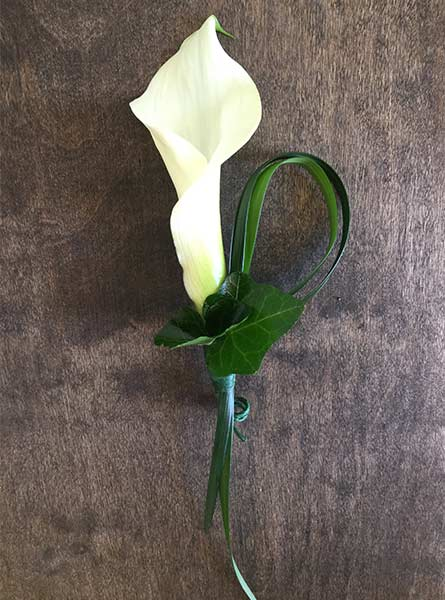 Mini Calla Lily Boutonniere in Arlington Heights IL, Sylvia's - Amlings Flowers