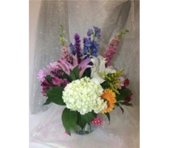 Fishbowl of Beauty in Manhasset NY, Town & Country Flowers
