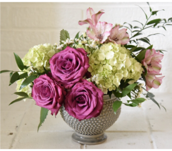 William's Rose and Hydrangea Urn in West Seneca NY, William's Florist & Gift House, Inc.