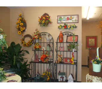 SHOP DISPLAY in Evansville IN, Cottage Florist & Gifts