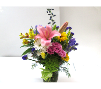 In Appreciation Vase in Worcester MA, Holmes Shusas Florists, Inc