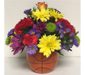 5 inch Basketball Ceramic w/Fresh Flowers-Round in Wyoming MI, Wyoming Stuyvesant Floral
