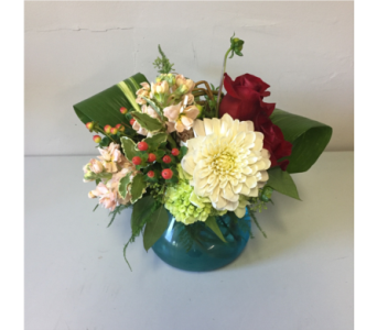 Langdon Flower Arrangement in Walla Walla WA, Holly's Flower Boutique