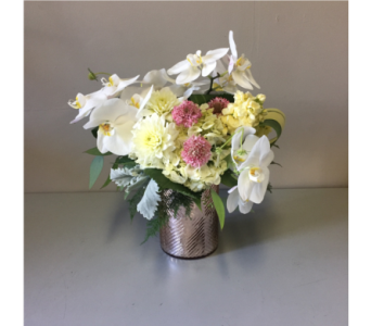 Amelia Flower Arrangement in Walla Walla WA, Holly's Flower Boutique