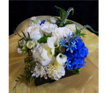 Medium Flower Gift Box in Reno NV, Bumblebee Blooms Flower Boutique