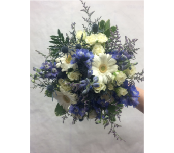 Bridesmaid Bouquet in Manhasset NY, Town & Country Flowers