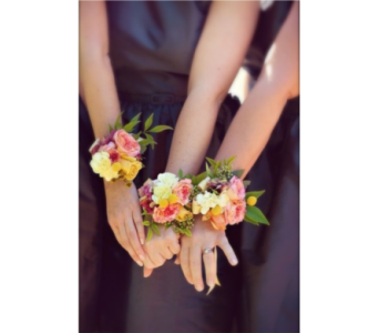 Color Mix Corsage in Neenah WI, Sterling Gardens