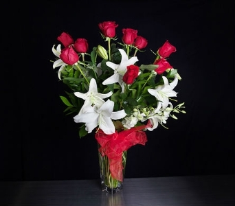 Adelaide's Signature Rose Arrangement in La Jolla CA, Adelaide's Florists and Decorators