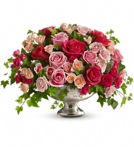 Queen's Court by Teleflora in Mount Dora FL, Claudia's Pearl Florist