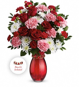 Teleflora's Sweet Embrace Bouquet in Encinitas CA, Encinitas Flower Shop