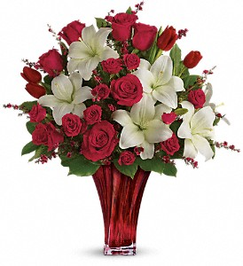 Love's Passion Bouquet by Teleflora in Chicagoland IL, Amling's Flowerland