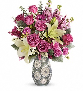 Teleflora's Blooming Spring Bouquet in Auburn WA, Buds & Blooms