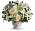 Beautiful Dreams by Teleflora in La Prairie QC Fleuriste La Prairie