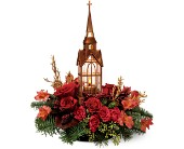 The Williamsburg® Christmas Chapel by Teleflora dans Ste-Foy QC, Fleuriste La Pousse Verte