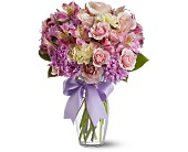 Fellsmere Flowers - Splendid Spring - Artistic First Florist