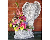 ANGEL IN THE GARDEN<br><font color=red>(LOCAL DELI in Circleville&nbsp;OH, Wagner's Flowers