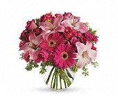 A Little Pink Me Up in Brentwood:CC CA, Brentwood Florist