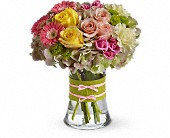 Crystal Lake Flowers - Fashionista Blooms - Locker's Flowers, Greenhouse & Gifts