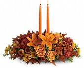 Family Gathering Centerpiece in West Hartford CT, Lane & Lenge Florists, Inc